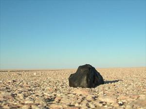 Meteoritenfund_auf_Wüstenpflaster