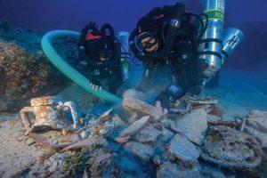 Divers at Antikythera